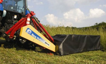 CroppedImage350210-NH-H6740-Mounted-HD-DiscMower.jpg